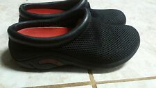 MERRELL SLIP-ON MESH CLOGS SZ 6.5