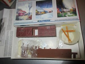 WALTHERS HO SCALE 40' STOCK CAR KIT ARMOUR STOCK EXPRESS# 320 ITEM # 932-3413