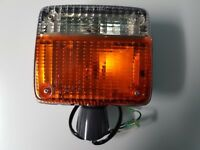NEW GENUINE TOYOTA LAND CRUISER FJ40 BJ40 FRONT RIGHT TURN SIGNAL LIGHT LAMP