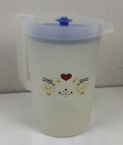 Tupperware Classic 1 Gallon ClearPitcher with Push Button w/Seal Blue