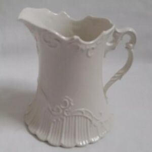 REDUCED  ❀ڿڰۣ❀ WEDGWOOD Queens Ware ROCOCO INSPIRED Earthenware MILK / CREAM JUG