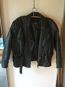 Schwere Motorradjacke aus Echtleder, Marke AKITO,Größe 58,sehr guter Zustand (4)