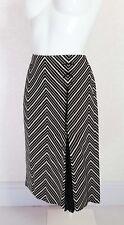 MANGO black white Aztec print side split front Knee length flare skirt sz 10 W30
