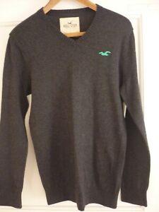 Mens Hollister Dark Grey v neck jumper size small