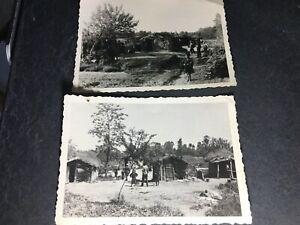 2 orig. Fotos Offizier besichtigt Dorf Siedlung Zigeuner ? Polen Russland