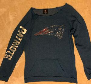 NFL Team Apparel New England Patriots Women's Sweatshirt Blue Teal Size M