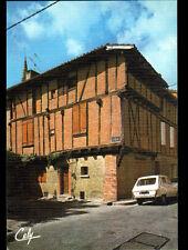 MONTECH (82) RENAULT R6 à la MAISON du XIII° Siécle
