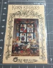 "VINTAGE ""KORN KEEPERS"" SCARECROW PENSTITCH APPLIQUÉ WALL QUILT PATTERN"