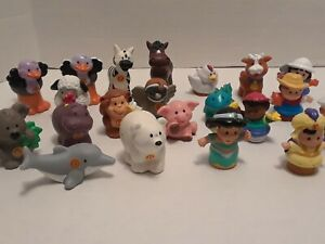LOT OF 21 ASSORTED FISHER PRICE LITTLE PEOPLE FIGURES AND ANIMALS
