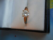 VINTAGE 10K YELLOW GOLD AND 6MM ROUND CUT CLEAR CUBIC ZIRCONIA STONE RING SIZE 7