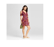 NEW Xhilaration Women's Bell Sleeve Shift Dress - Berry - Size: L
