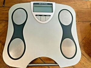 LLOYDS PHARMACY WELL BEING DIGITAL BODY FAT BALANCE SCALES & INSTRUCTIONS (G7)
