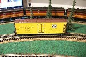K-line Western Pacific Classic Wood-Sided Reefer