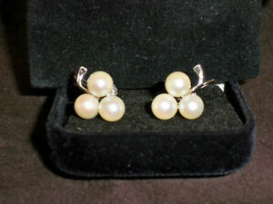 Vintage 14K White Gold 3 Pearl Clove/Cluster Earrings~Stunning! Free Shipping!