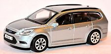 FORD FOCUS ´04 Familiar 2007-10 plata plata metálico 1:43 Bburago