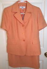 Le Suit 2 Piece Suit Skirt Size 8P Short Sleeve Blazer Top Size 8P Orange Coral