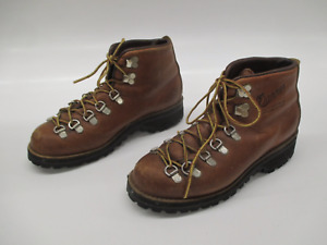 Women's Danner mountain light cascade boots 48290 size 6.5 hiking brown leather
