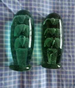 Lovely Pair Of Victorian Paperweight Dump With Flower & Vase Decoration