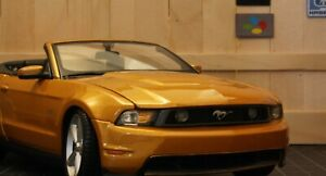 Maisto 1:18 2010 FORD Mustang GT Gold Convertible