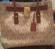 ☆☆NEW! Michael Kors Large Hamilton Gold Vanilla Signature Logo Tote NS Handbag☆☆