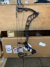 New Impulse 31 Black/Realtree Xtra 60# 29� Right Hand