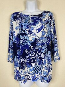 Chico's Women Size 2 Blue Floral Blouse Boat Neck Rayon/Spandex Stretch