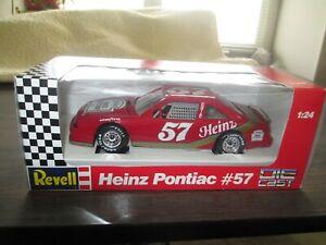 REVELL 8634 NASCAR HEINZ 57 HUT STRICKLIN #57 PONTIAC 1/24 DIE-CAST