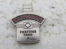 PIN'S PARFUM CHEVIGNON