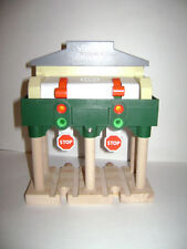 Wooden Thomas the Train SODOR NUMBER 3 SIGNAL HOUSE W/LIGHT RAILWAY WOOD RETIRED