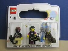 lego minifigure NEWCASTLE STORE 1st BIRTHDAY SET rarer than mr gold  240/500