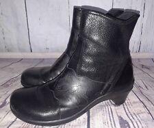 Aravon Maeve Lasercut Boots Womens 10AA Black Pebbled Leather Side Zip Booties
