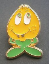 AR173) Collectable small enamel metal cartoon egg head character charity brooch