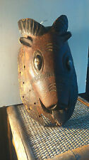 old African mask. ancien Masque africain