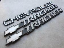 02-04 Chevrolet Tracker Emblem 30021370 Logo 15998983 Nameplate Decal Ornaments