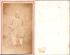 Vieil homme en blouse en pose, circa 1860 CDV vintage albumen -  Tirage albumi