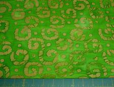 BaTiK fat Quarter Curliques dots in cream shades of PERIDOT quilts dolls 011