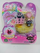 DIANA  JEWELPET CHARM MAGICALLY OPEN