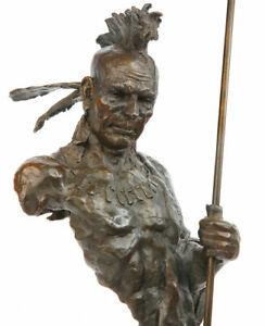 BRONZE INDIANER HÄUPTLING ca.62cm mit SPEER, NATIVE IROKESE CHIEF with WAR PAINT