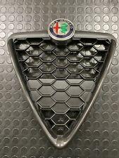 Griglia frontale originale Alfa-Romeo Giulietta nero lucido.