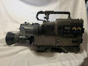 Sony  3CCD Betacam Color Video Camera Recorder Camcorder and Accessories