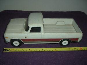Ertl International 1000 Pickup Truck Original Condition....