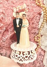 Wedding cake topper, vintage, 1950's, brunette, plastic, bride and groom