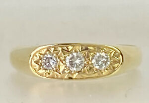 Vintage 18 Carat Yellow Gold & 0.3 carats Illusion Set Diamond Ring Size Z 1/2