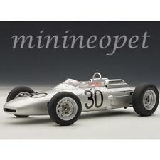 AUTOart 86271 PORSCHE 804 FORMULA 1 #30 WINNER GURNEY GP DE FRANCE 1962 1/18