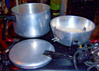 Vintage Mirro hot plate cooker with a ceramic hot plate element