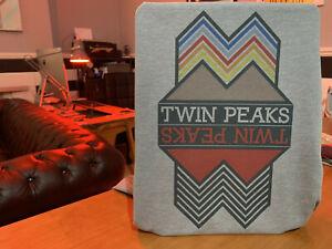 Twin Peaks Upside Down T-Shirt - David Lynch Minimalism Graphic Design