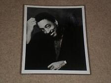 GREGORY HINES SIGNED AUTOGRAPHED VNTAGE 8X10 PHOTO TONY & EMMY AWARD WINNER