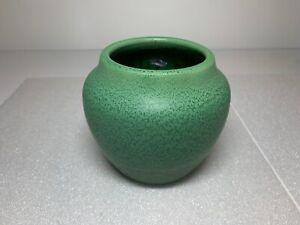Hampshire Art Pottery Mottled Speckled Arts and Crafts Green Vase 54 / 1