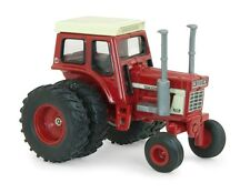 1/64 ERTL CASE IH INTERNATIONAL 1568 V8 W/ RED CAB & DUALS