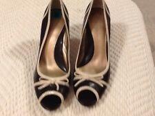 BANDOLINO Ladies Shoes   Sz 8 M. Black & Tan    3 Inch Heel